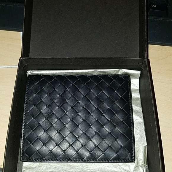finest selection fd7e2 9b468 Bottega Veneta Men's Leather Wallet NWT